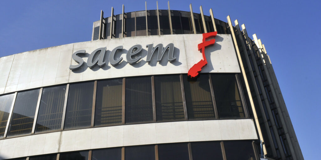 FRANCE. NEUILLY (92) Immeuble SACEM