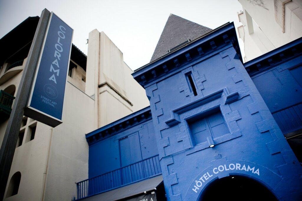 Façade de l'Hôtel COLORAMA