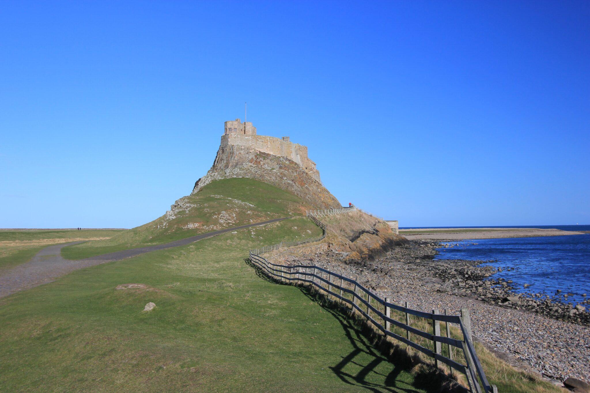 8 juin 793 : les Vikings lancent leur premier raid en Angleterre