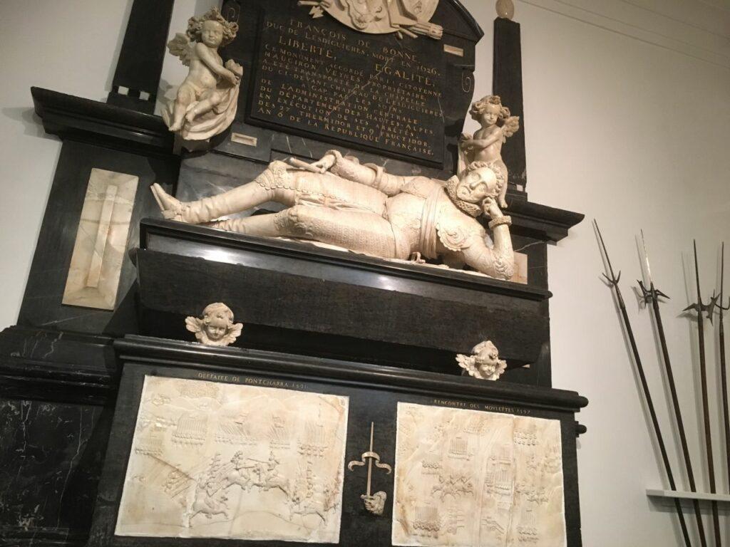 Mausolée en marbre du duc de Lesdiguières