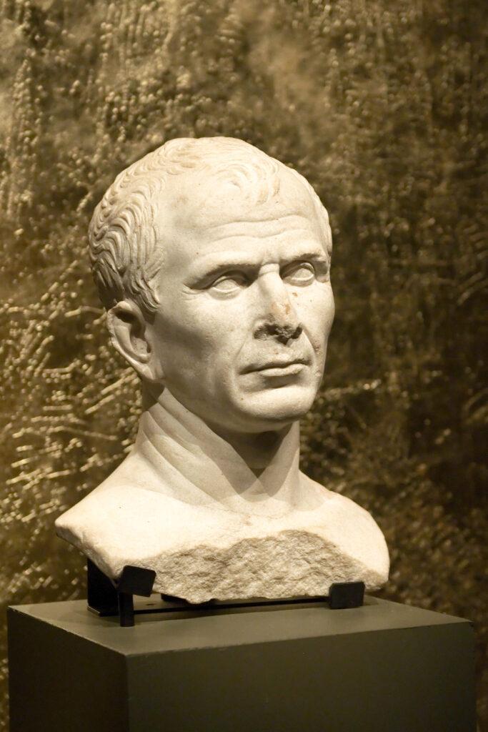 Buste présumé de Jules César retrouvé dans le Rhône