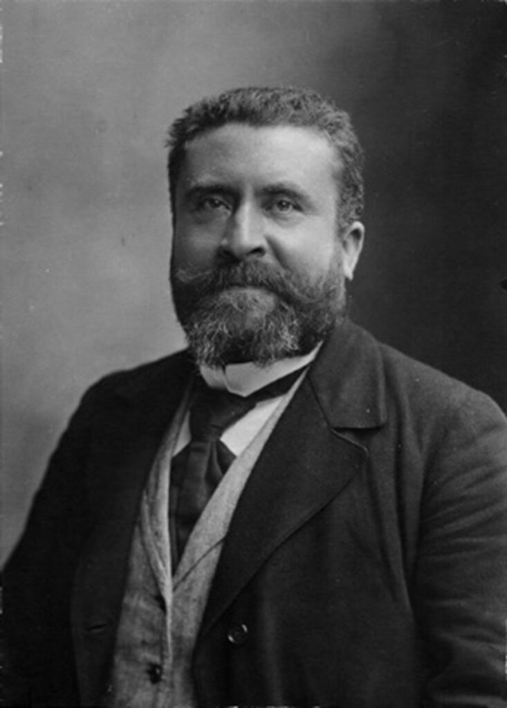 Jean Jaurès : Fondateur de la SFIO Assassiné en 1914 à quelques jours du début de la Grande Guerre