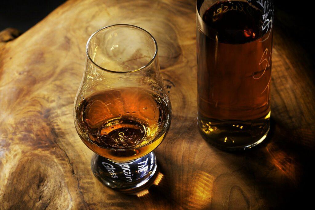 Le Whisky ou quand l'histoire est mise en bouteille