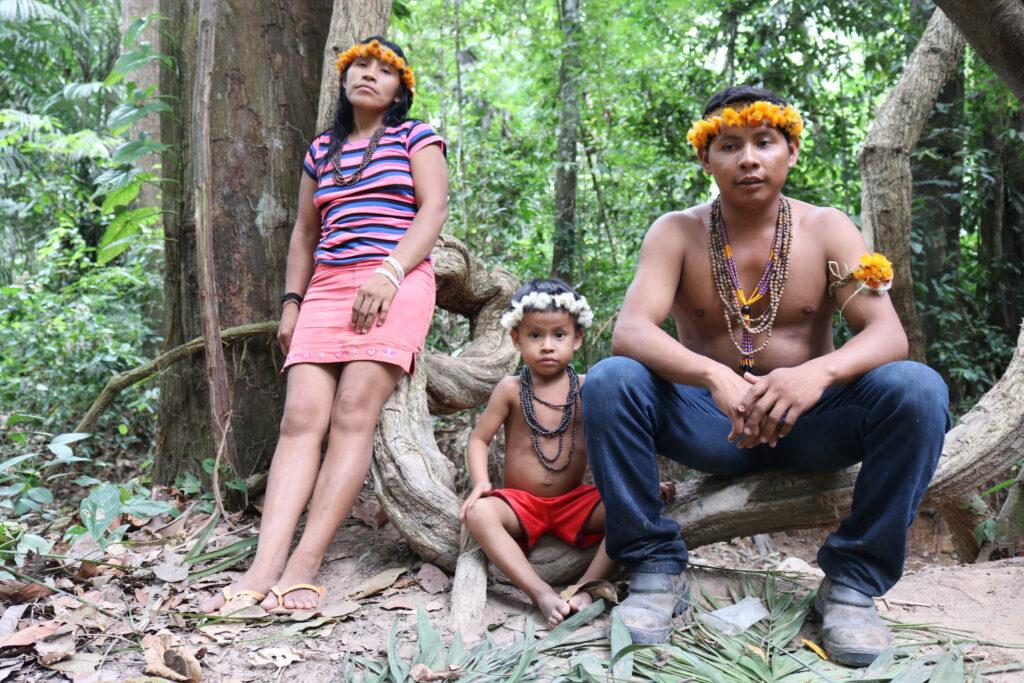 Famille awá. © Sarah Shenker/Survival International