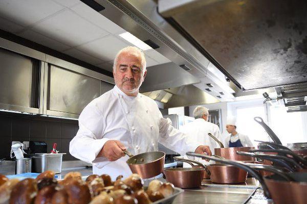 Guy Savoye à la tête de son restaurant 3 étoiles au sein de la Monnaie de Paris