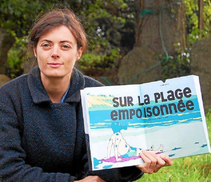 Inés Léraud, journaliste indépendante, a réalisé une BD reportage sur les algues vertes, publié dans La Revue dessinée