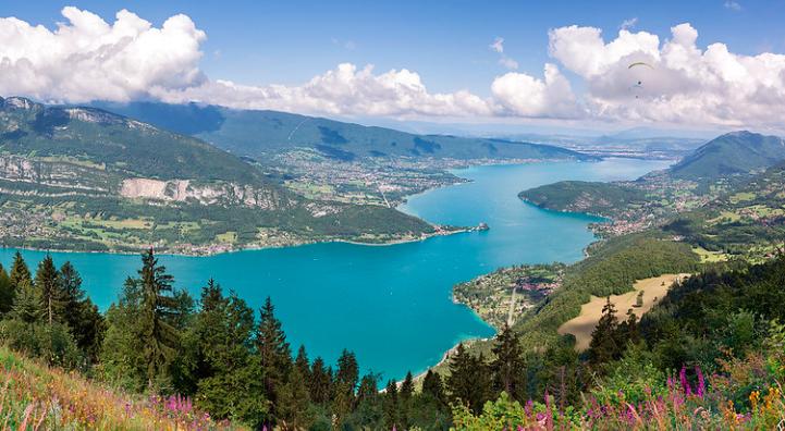 Panorama du Lac bleu d'Annecy