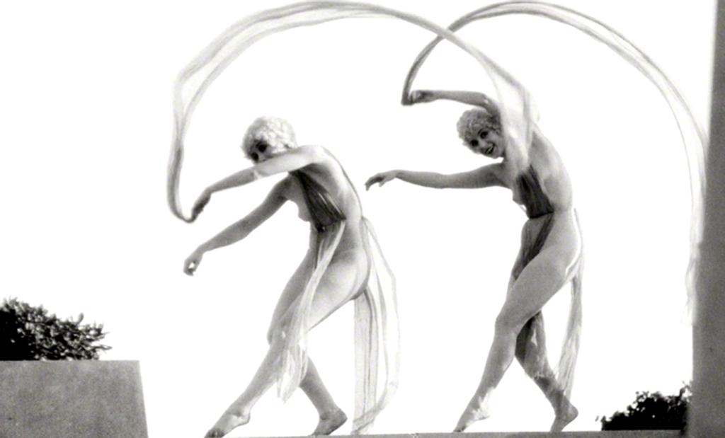 Archives italiennes, danse de femmes nues ©Festival européen de la photo de nu