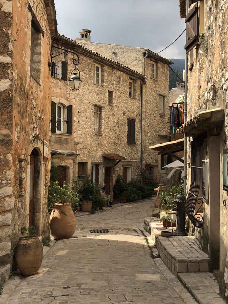 Village médiéval des Alpes-Maritimes : Tourrettes-sur-Loup